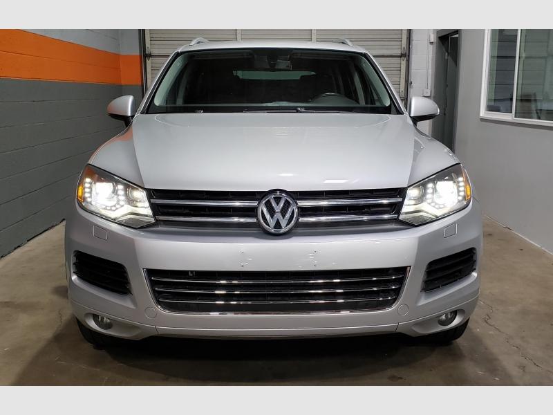 Volkswagen Touareg 2012 price $11,999
