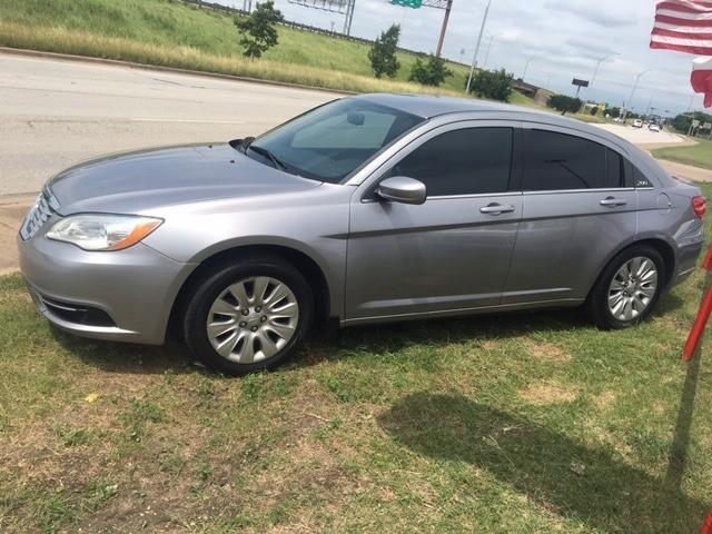 Chrysler 200 2013 price $1,000 Down