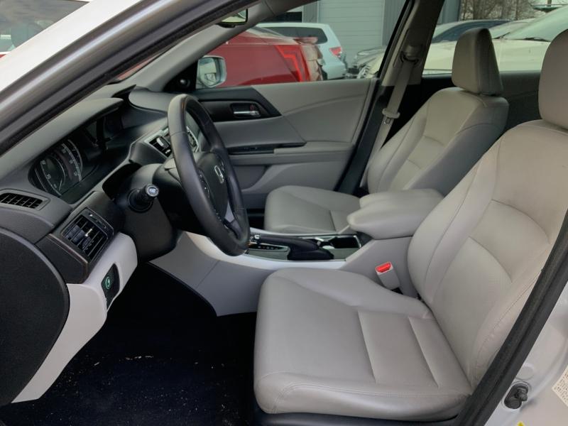 Honda Accord Sdn 2013 price $9,995