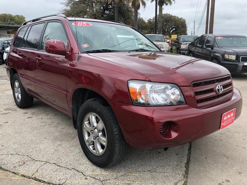 Toyota Highlander 2004 price $5,995