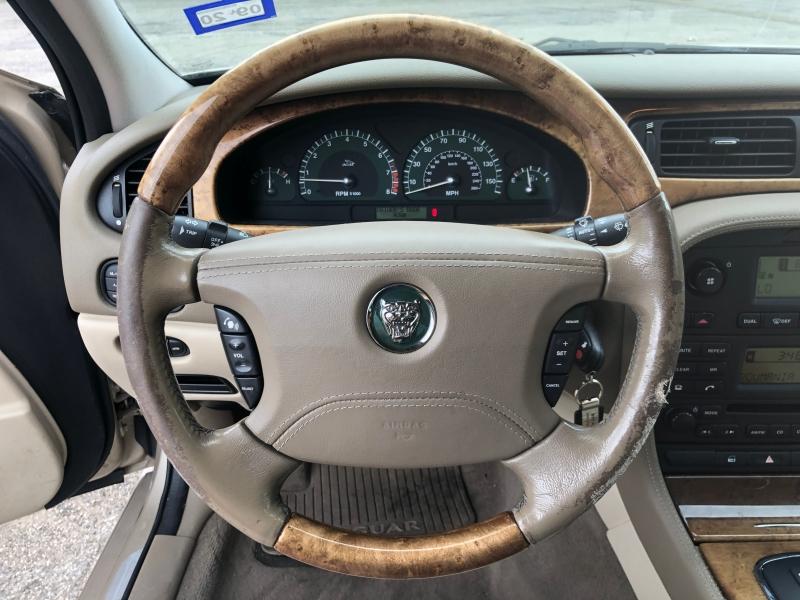 Jaguar S-TYPE 2004 price $4,750
