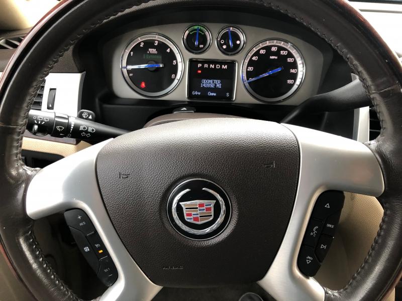Cadillac Escalade Hybrid 2011 price $15,995