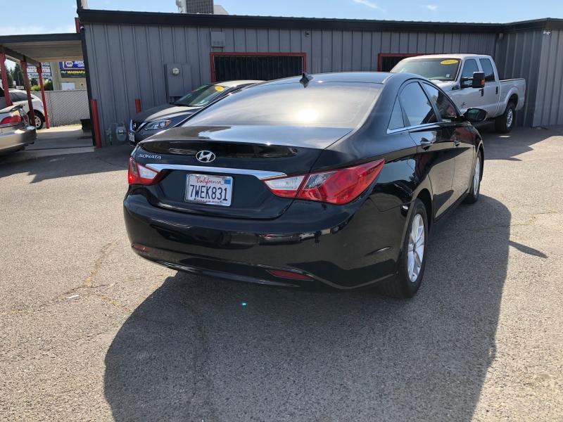 Hyundai Sonata 2012 price $7,995