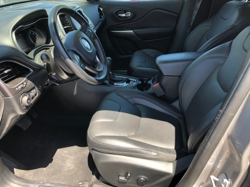 Jeep Cherokee 2019 price $20,995