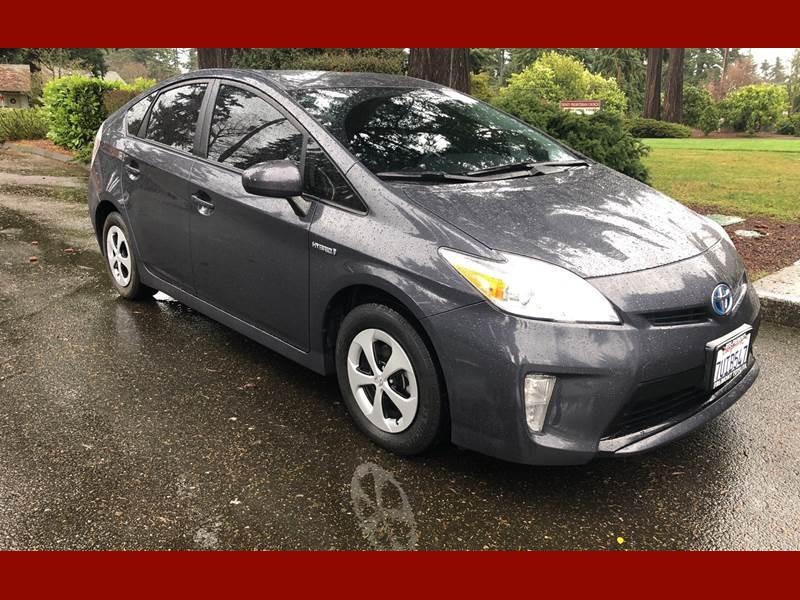 Toyota Prius 2013 price $14,750