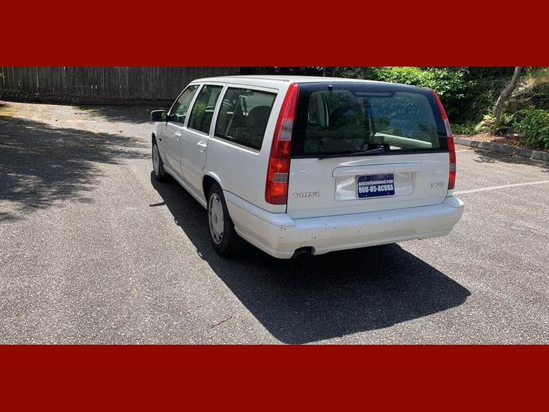 Volvo V70 1998 price $1,995