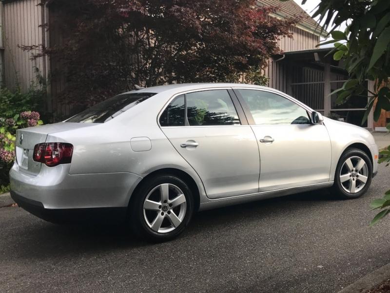Volkswagen Jetta Sedan 2009 price $6,450