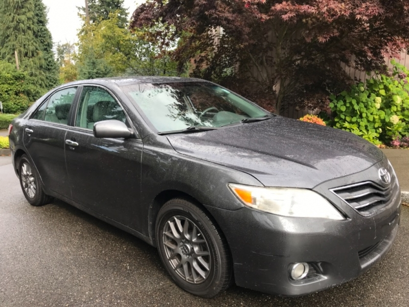 Toyota Camry 2011 price $10,950