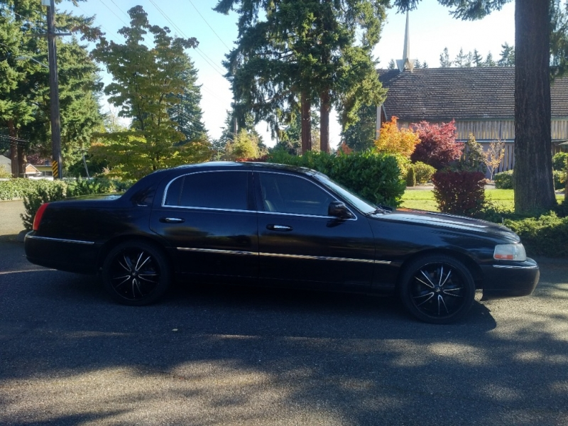 Lincoln Town Car 2007 price $3,950