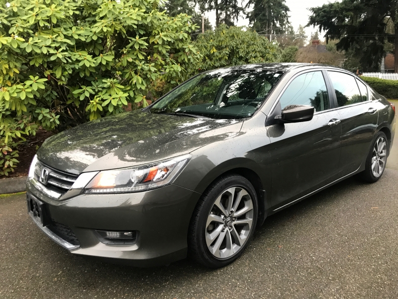 Honda Accord Sedan 2015 price $15,995