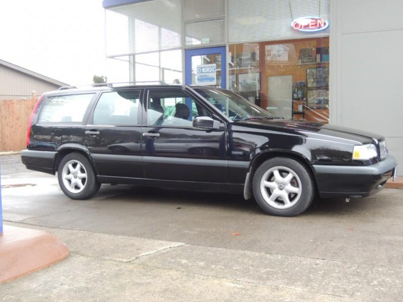 Volvo 850 1997 price $5,500