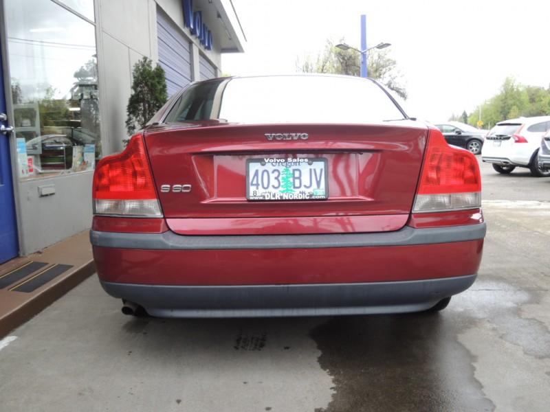Volvo S60 2004 price $4,200