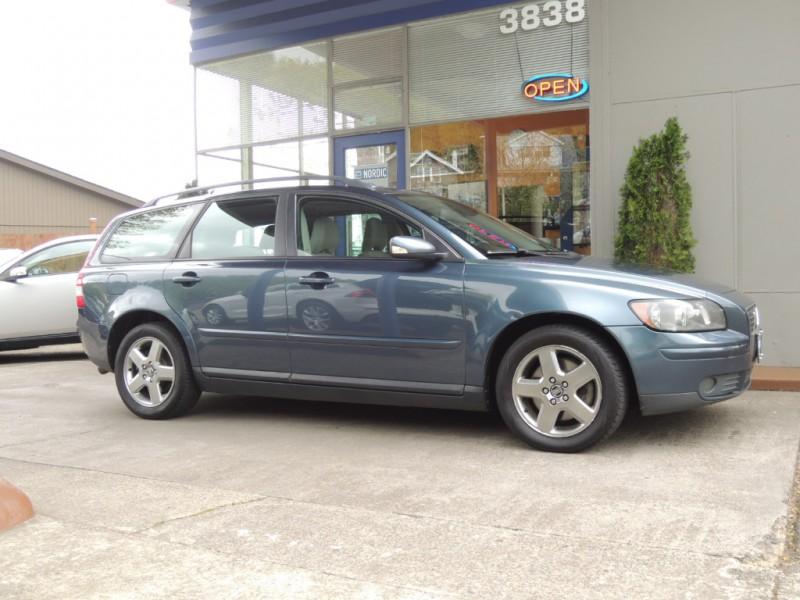 Volvo V50 2006 price $3,800