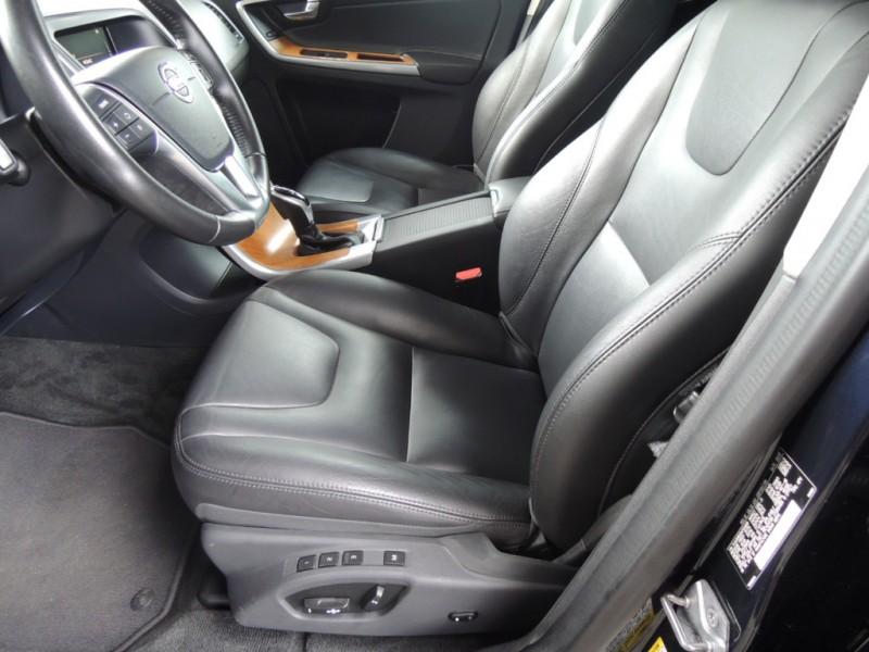 Volvo XC60 2017 price $27,200