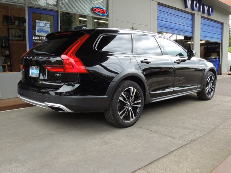 Volvo V90 Cross Country 2018 price $44,500