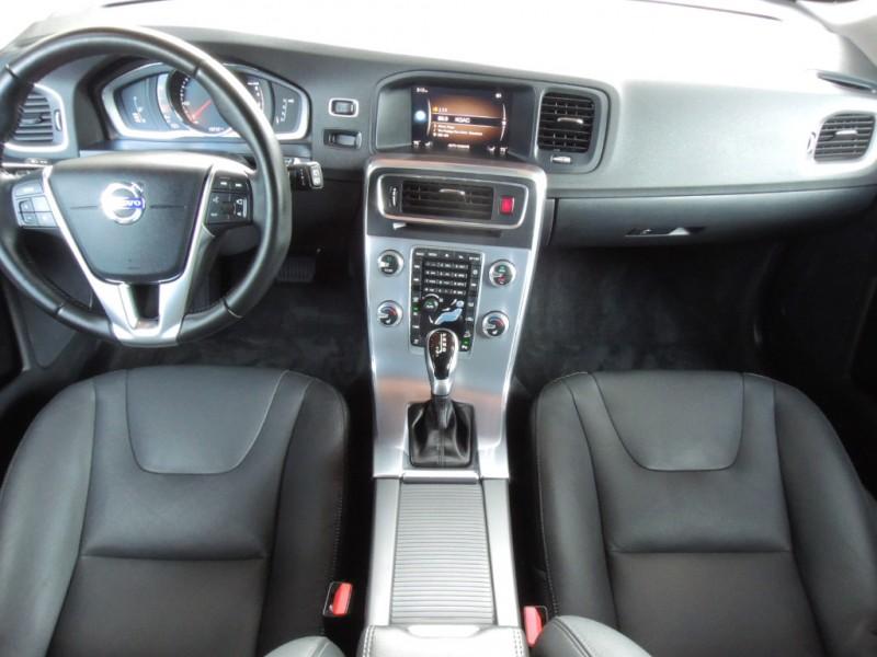 Volvo V60 Cross Country 2018 price $27,500