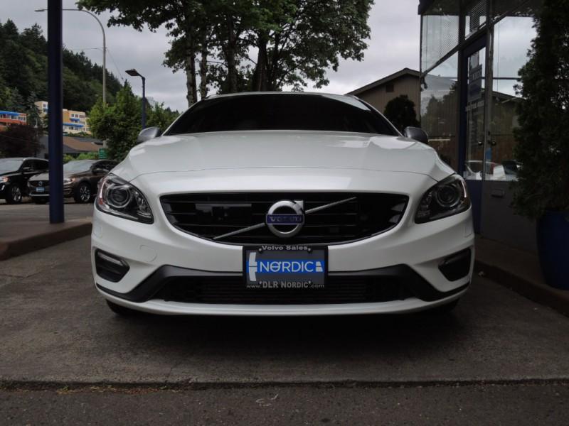 Volvo V60 2016 price $31,500