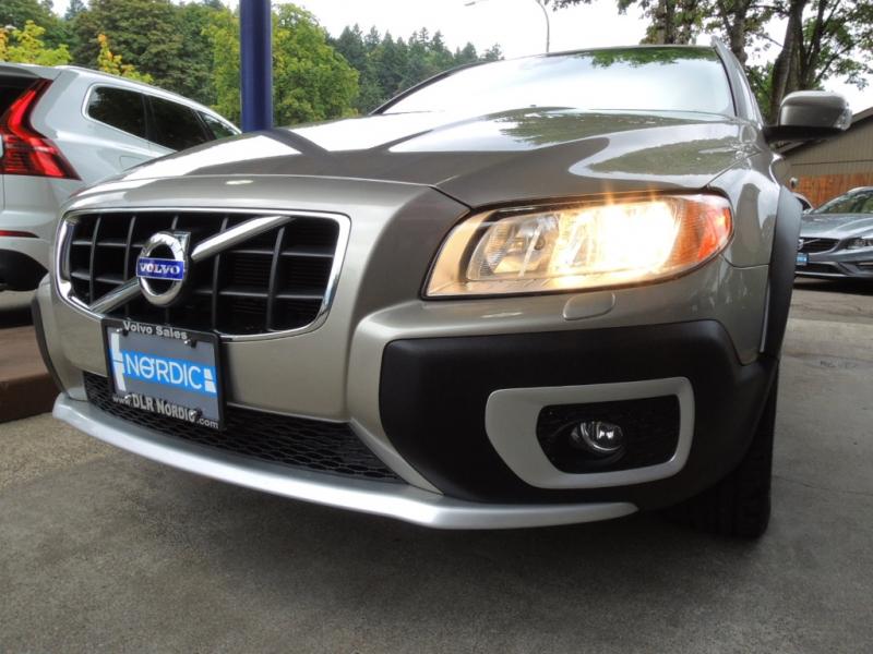 Volvo XC70 2012 price $23,500