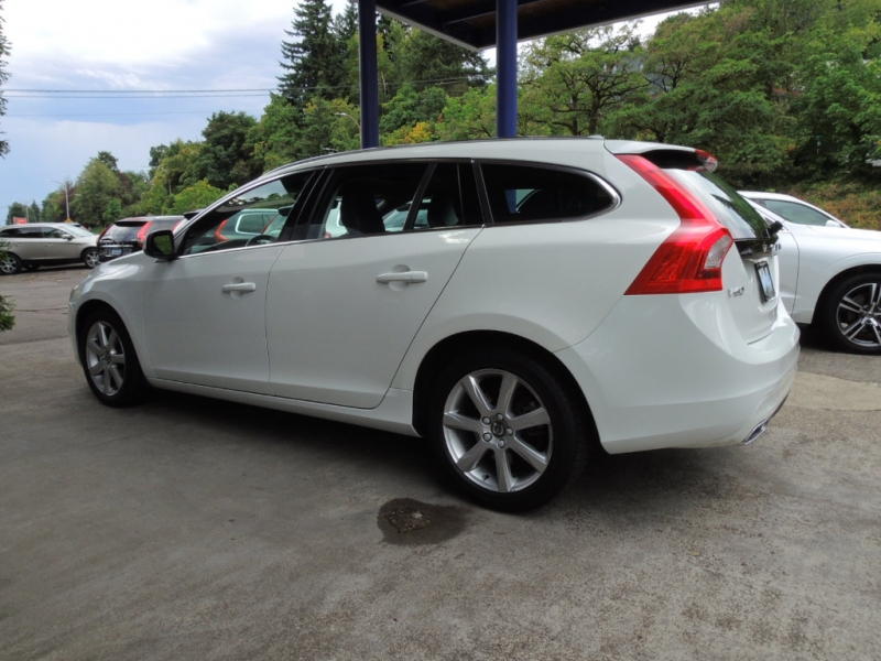 Volvo V60 2016 price $18,500
