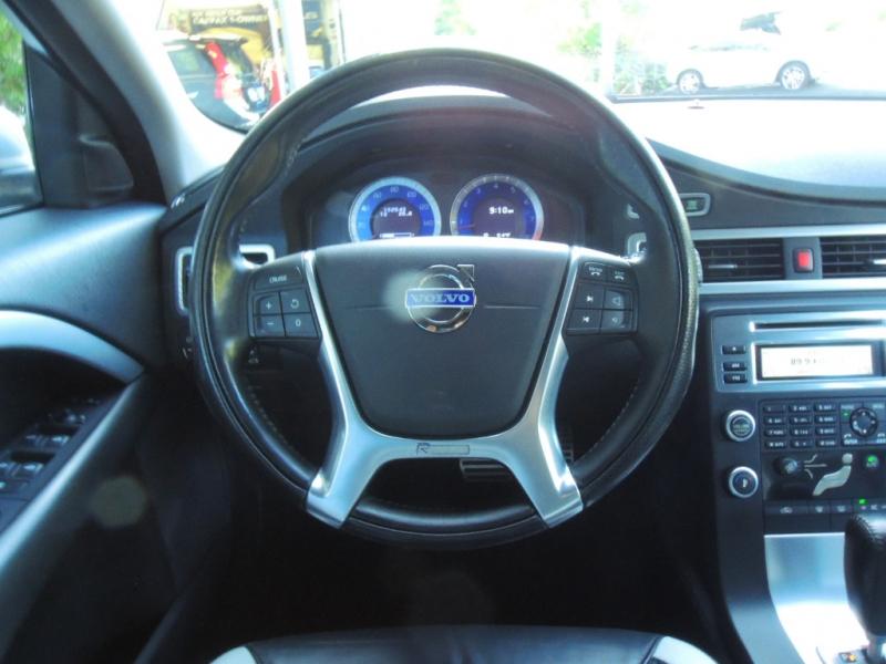 Volvo V70 2010 price $8,000