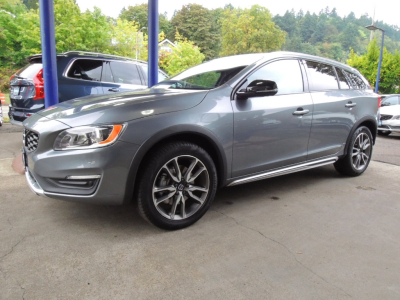 Volvo V60 Cross Country 2018 price $27,000