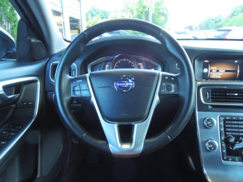 Volvo V60 Cross Country 2018 price $26,500