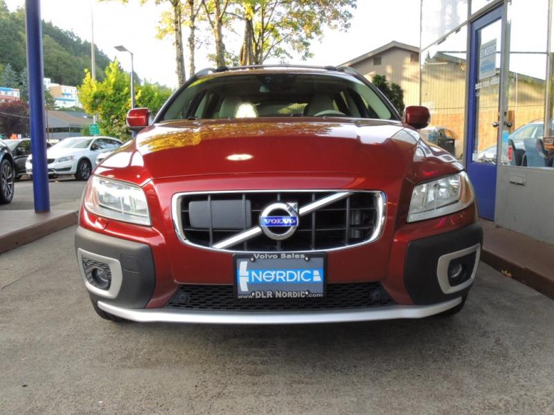 Volvo XC70 2012 price $18,800