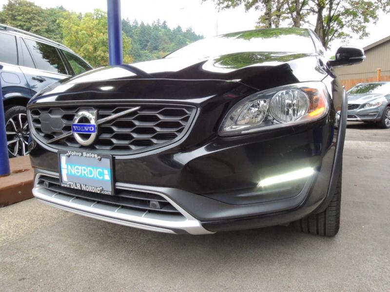 Volvo V60 Cross Country 2016 price $22,500