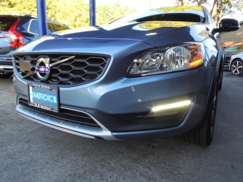 Volvo V60 Cross Country 2018 price $25,800