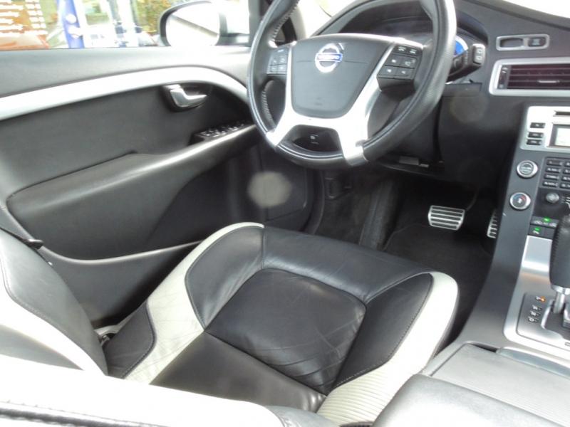 Volvo V70 2010 price $8,800
