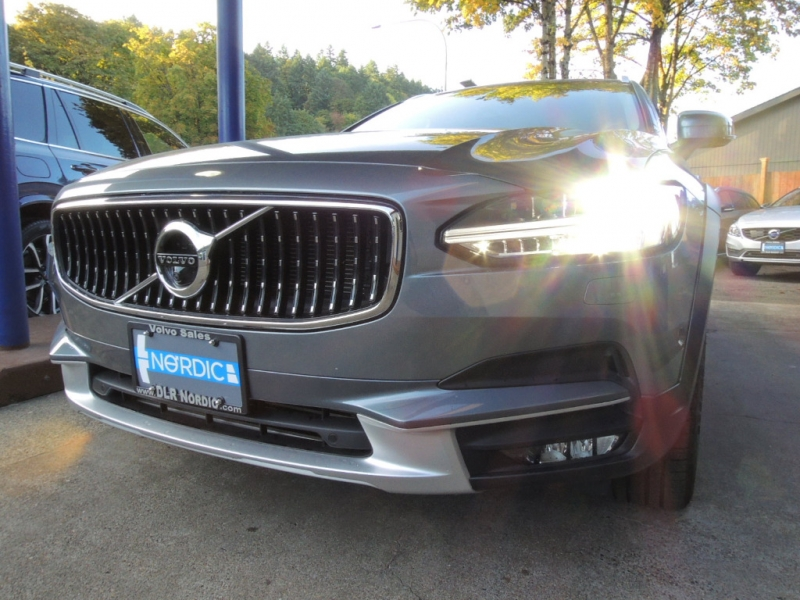 Volvo V90 Cross Country 2018 price $40,800