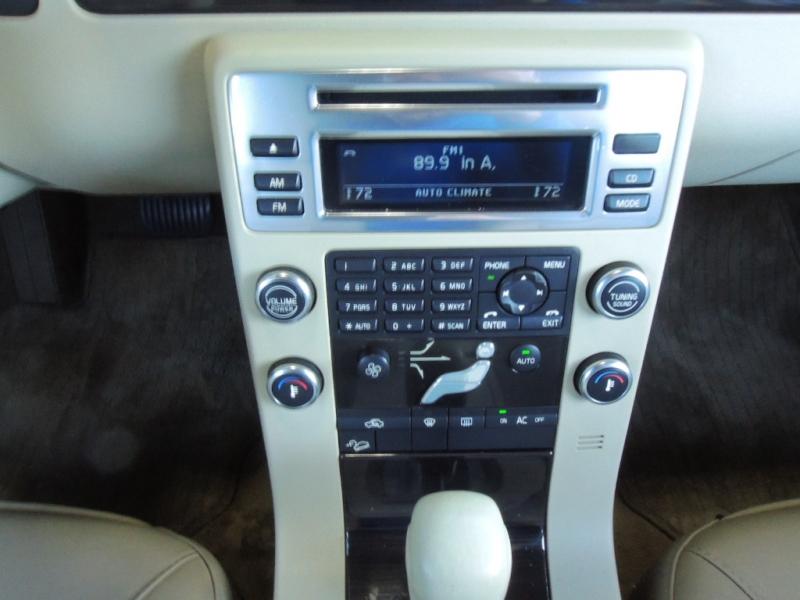 Volvo XC70 2009 price $8,500