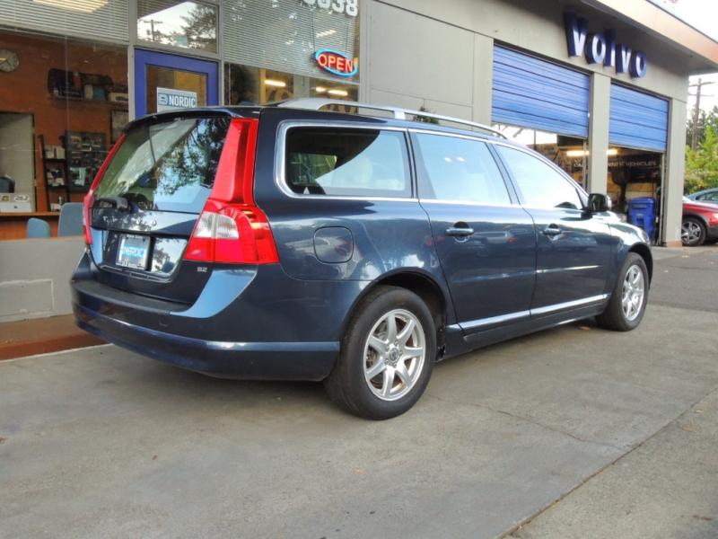 Volvo V70 2009 price $8,500