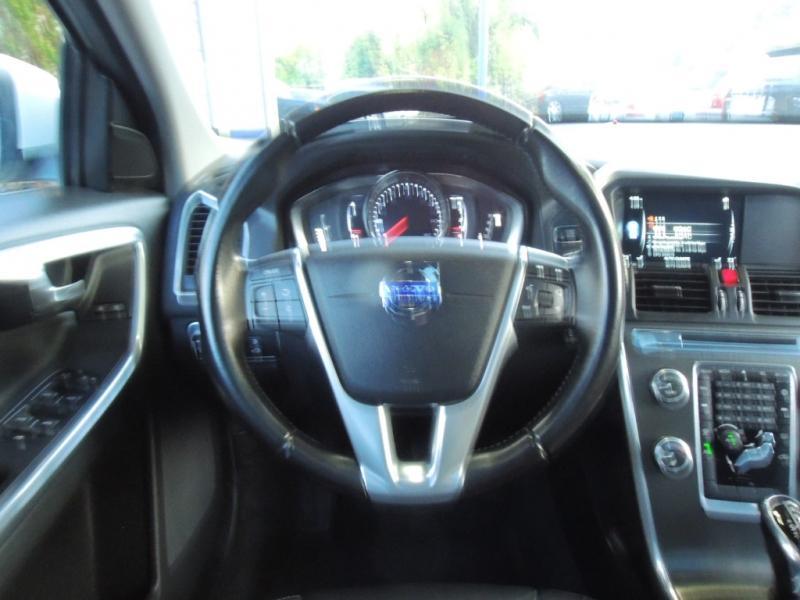 Volvo XC60 2016 price $22,000