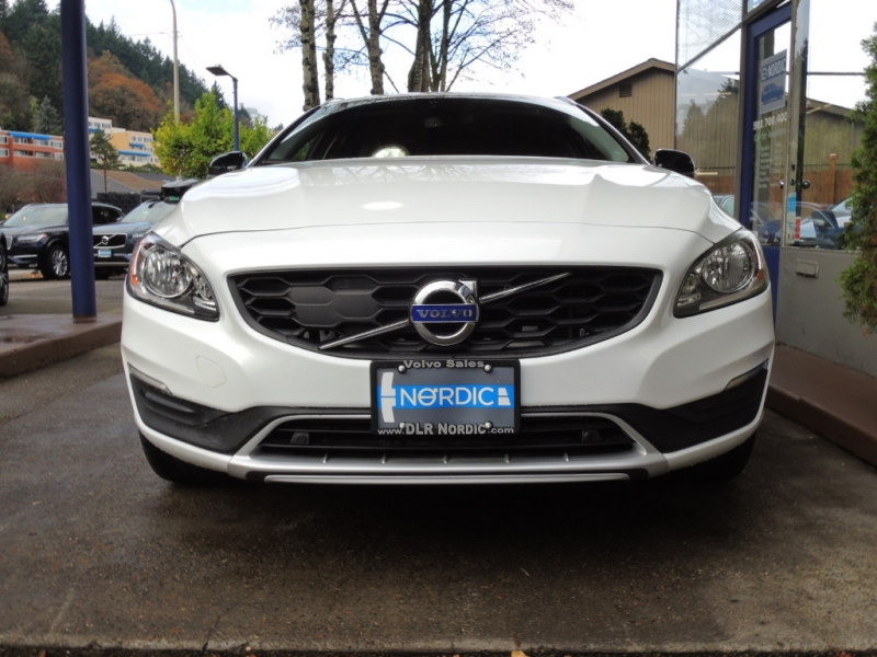 Volvo V60 Cross Country 2016 price $23,200
