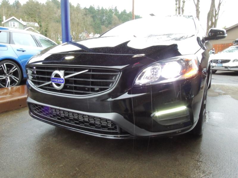 Volvo V60 2018 price $27,500