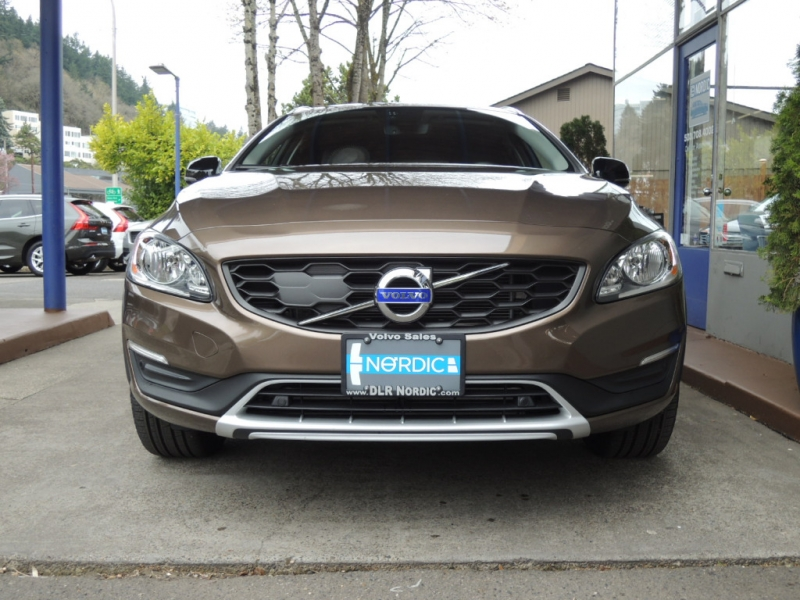 Volvo V60 Cross Country 2018 price $28,500