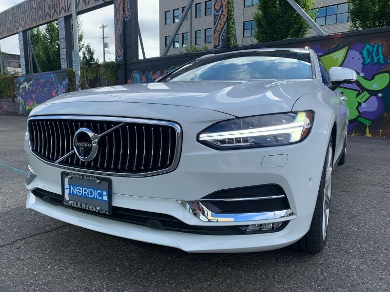 Volvo V90 2018 price $36,800