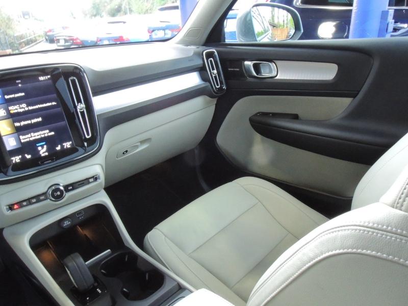 Volvo XC40 2019 price $38,800