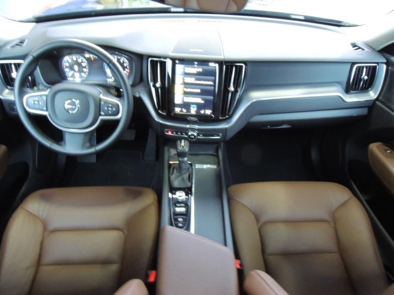 Volvo XC60 2019 price $43,500