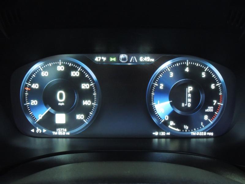 Volvo XC60 2019 price $37,500