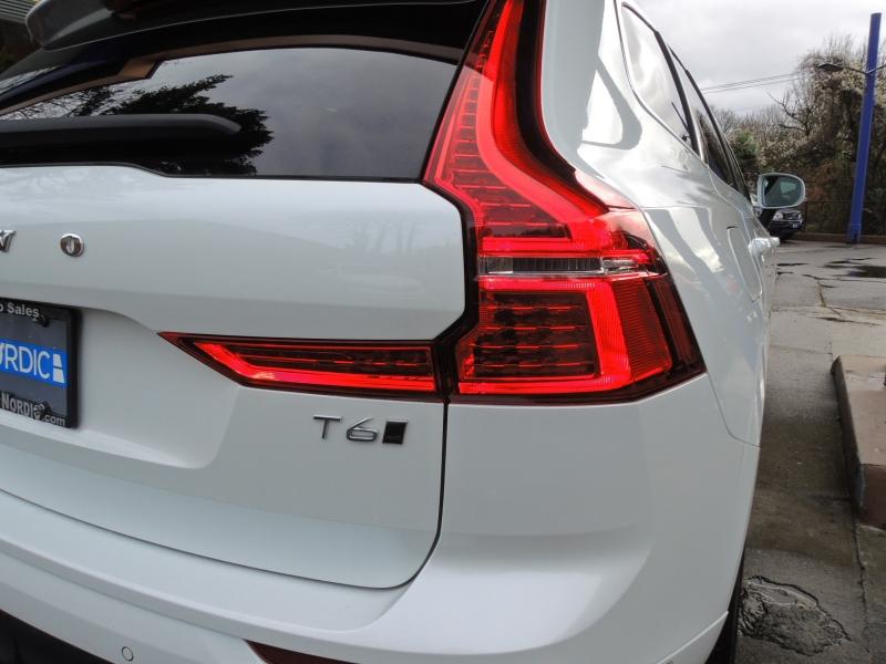 Volvo XC60 2019 price $43,000