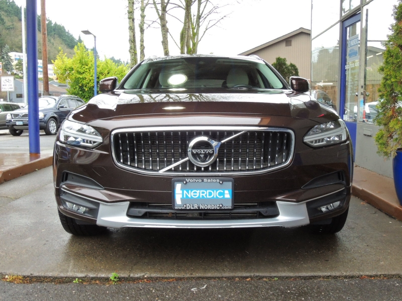 Volvo V90 Cross Country 2018 price $42,400