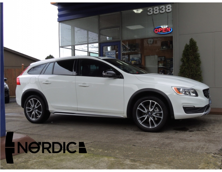 Volvo V60 Cross Country 2017 price $23,500