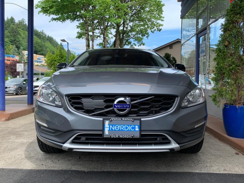 Volvo V60 Cross Country 2017 price $24,500