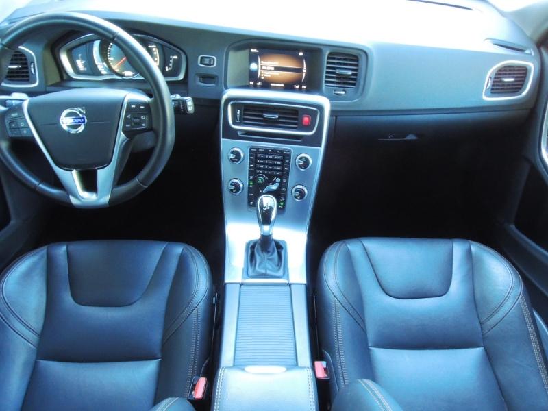 Volvo V60 Cross Country 2017 price $24,800