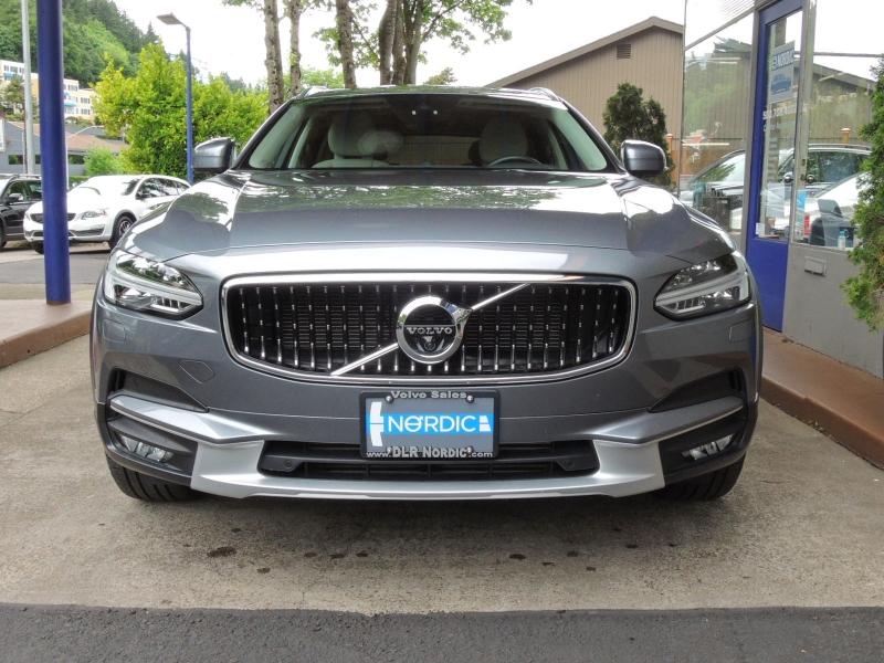 Volvo V90 Cross Country 2017 price $39,500
