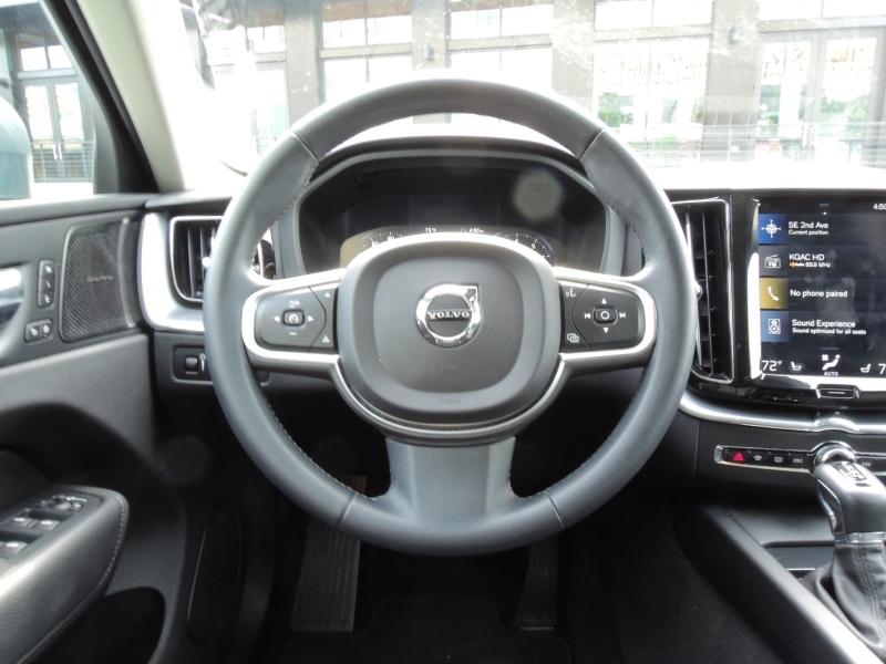 Volvo XC60 2019 price $39,500