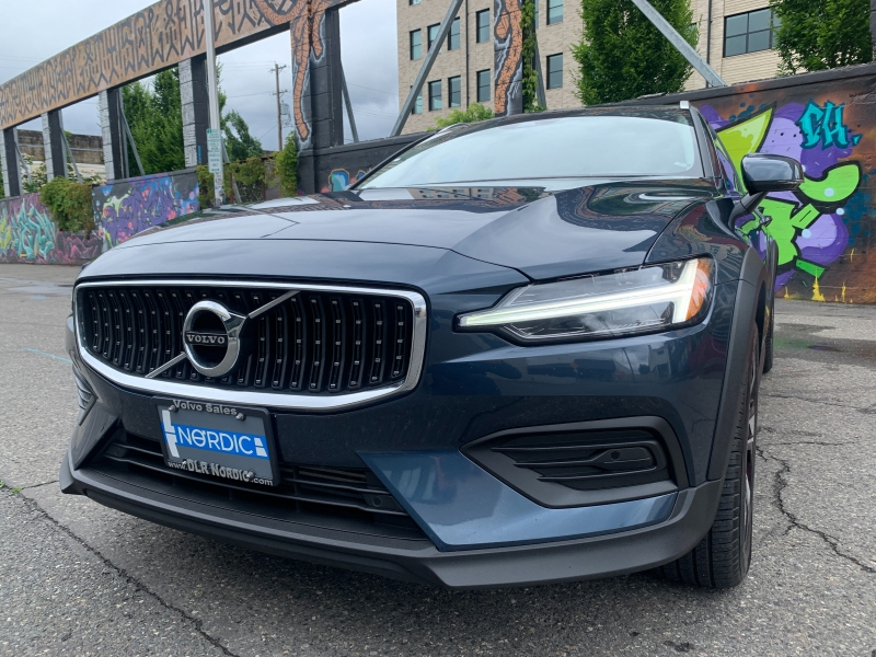 Volvo V60 Cross Country 2020 price $36,800