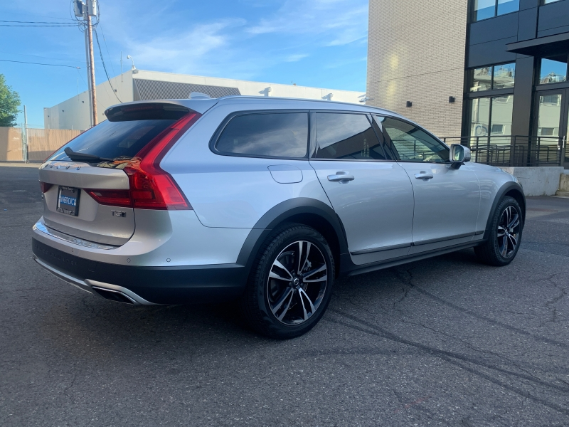 Volvo V90 Cross Country 2018 price $39,800